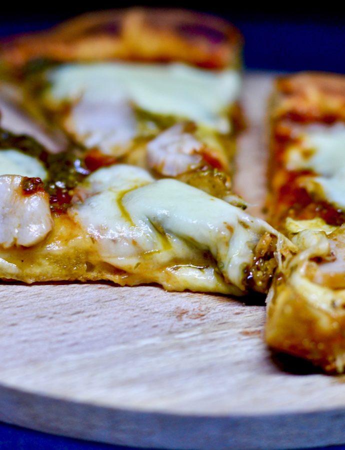 Пицца с соусом «Песто»