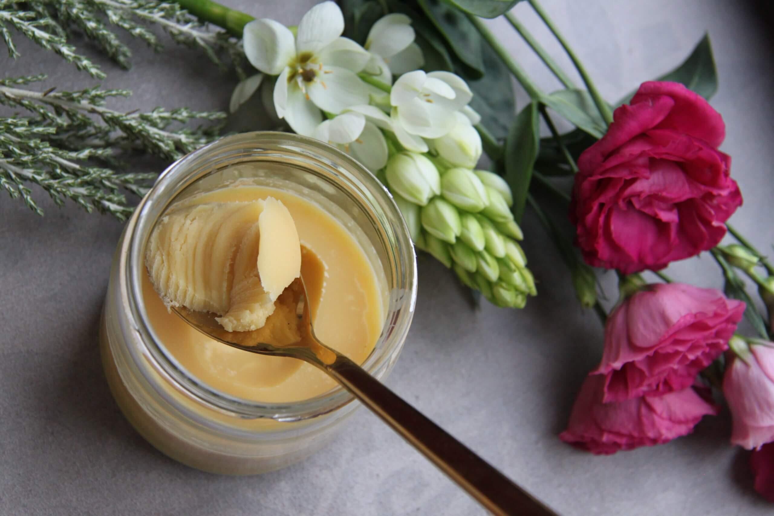 Как выбрать настоящее сливочное масло: в пачке и на развес