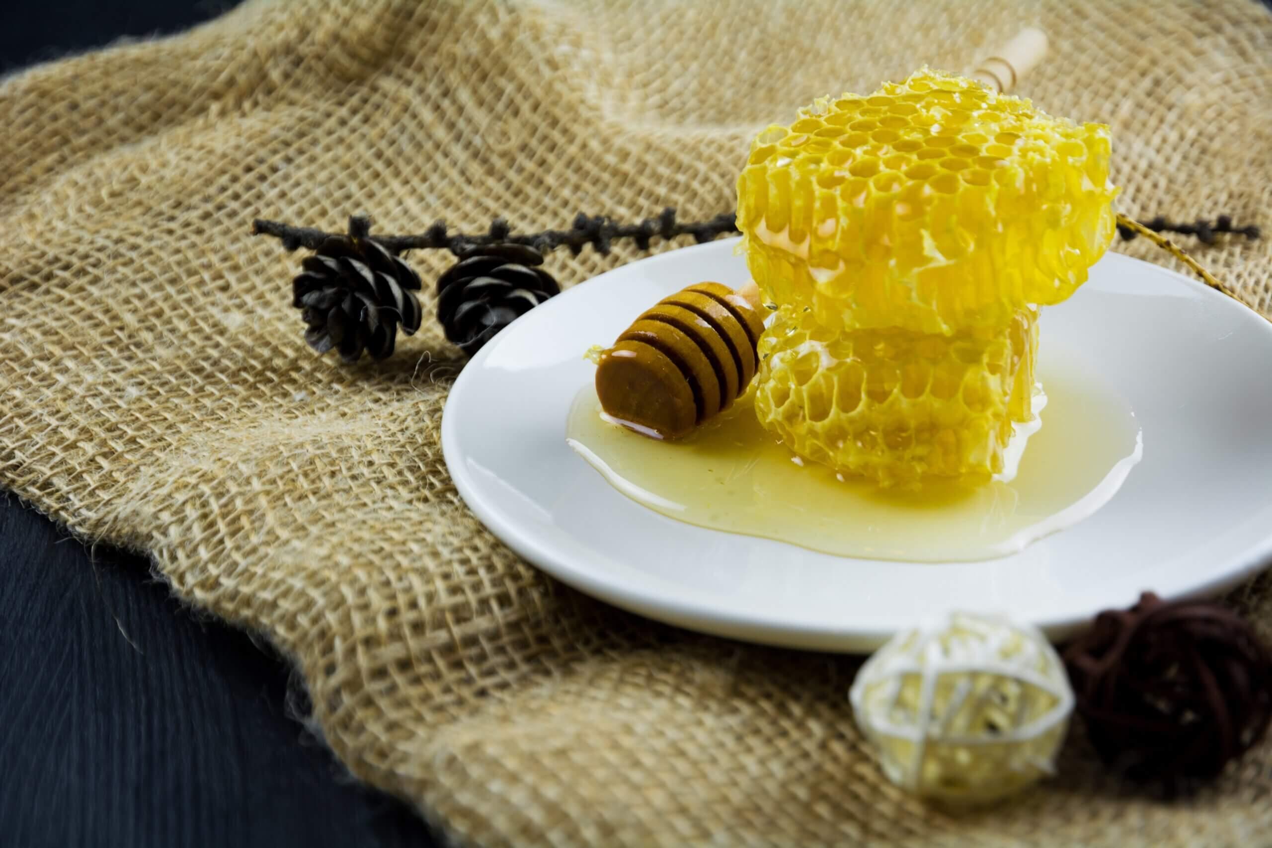 Как отличить настоящий мед от подделки и какие сложности могут возникнуть